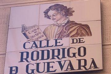 Placa calle de Rodrigo de Guevara